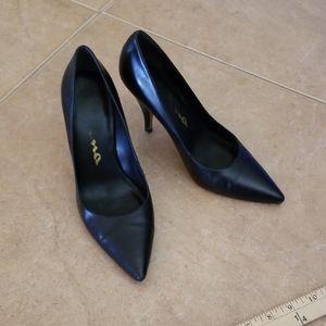 Nina Black Pointed Toe Heels